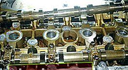 Regolazione della valvola su Hyundai H-1