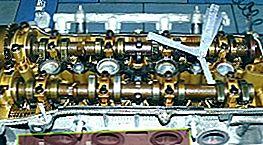 Regolazione valvole Toyota Avensis