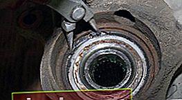 Sostituzione del mozzo anteriore Avensis T250