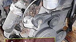 Sostituzione della cinghia di distribuzione e della pompa di iniezione per VW Transporter 2.5 TDI (ACV)