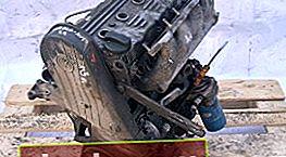 Sostituzione della cinghia di distribuzione per una Volkswagen Passat B3 con un motore 9A